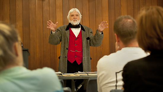 Retired teacher Jim Beckner gives a lecture on the Battles of Westport. His speech was part of a recent teacher workshop sponsored by UMKC. Photos by Janet Rogers, University Communications.