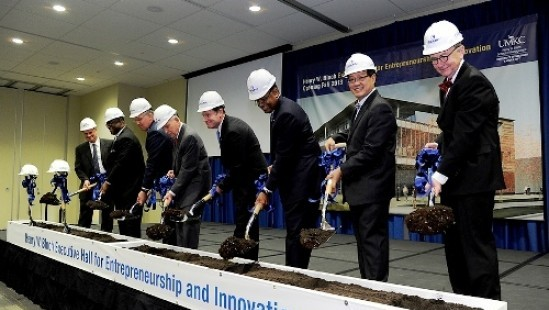 Business, government and university leaders turned out for the ceremonial groundbreaking for the Henry W. Bloch Executive Hall for Entrepreneurship and Innovation. L-R: Terry Dunn, President and CEO of JE Dunn Construction; Kansas City Mayor Sylvester James; Missouri Governor Jay Nixon; Henry Bloch; UM System President Tim Wolfe; UMKC Chancellor Leo Morton; Bloch School Dean Teng-Kee Tan; and Steve Mcdowell, Principal and Director of Design for BNIM Architects.