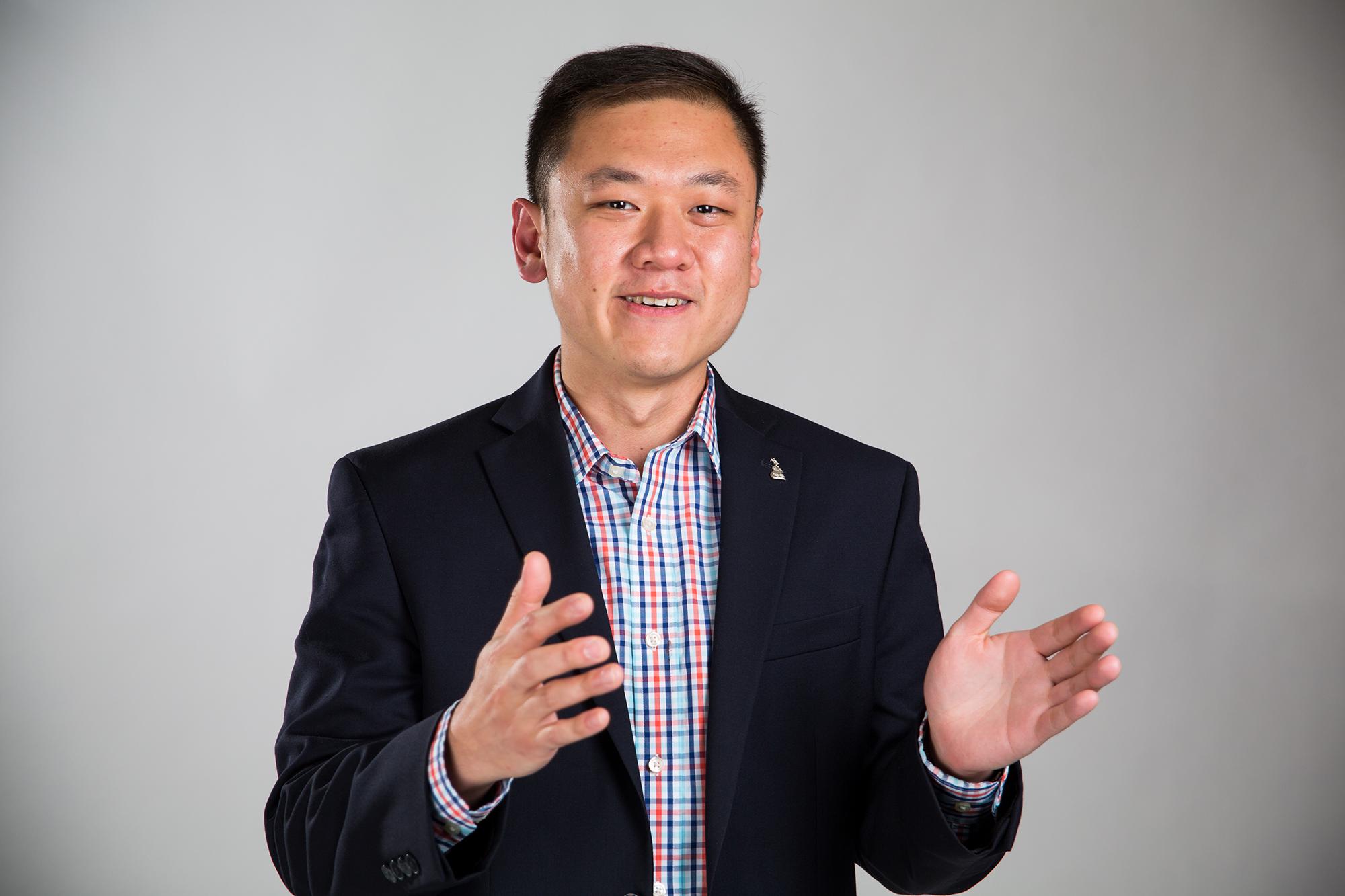 Portrait of UMKC Alumnus Alvin Liow